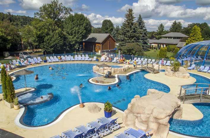 Campings midden frankrijk for Camping clermont ferrand avec piscine